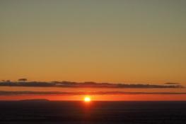 Sunset tout plat. à gauche le massif des Arapiles.